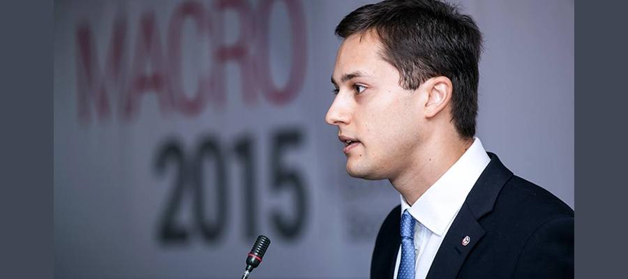 Adrian Lupușor prezintă Raportul de Stare a Țării 2015 la Conferința MACRO 2015 | Foto: Nicolae Ionașcu